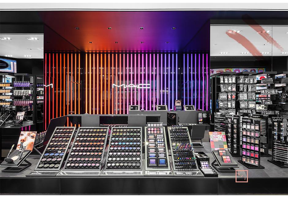 mac cosmetics ouvre une boutique phare montr alle blogue de julie lafrance. Black Bedroom Furniture Sets. Home Design Ideas